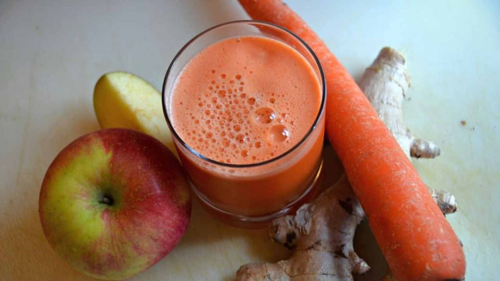 Carrot Apple Ginger Juice recipe