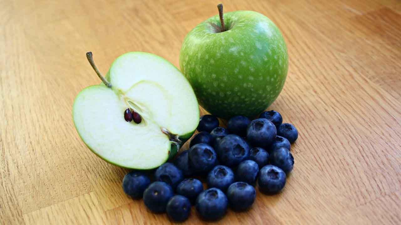 Apple blueberry juice