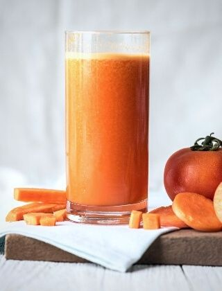 Carrot clementine and pineapple juice